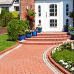 Yard-suburban-home
